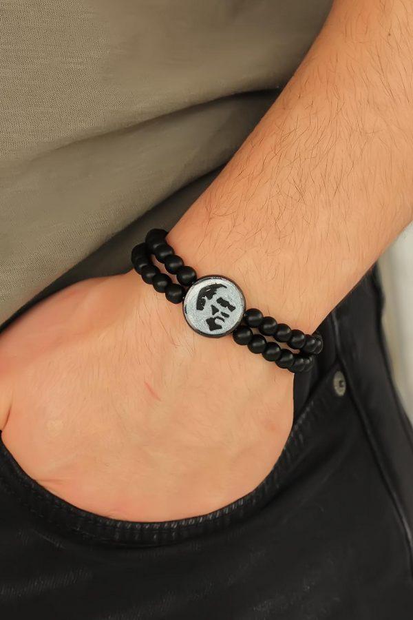 Gri Metal Atatürk Portresi Tasarımlı Siyah Renk Mat Oniks Doğal Taş Erkek Bileklik